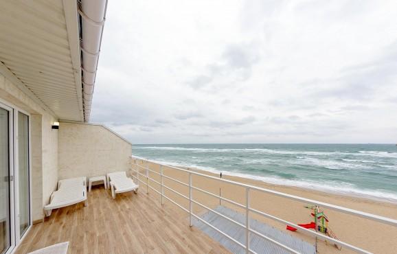 Апартаменти Люкс з великим балконом